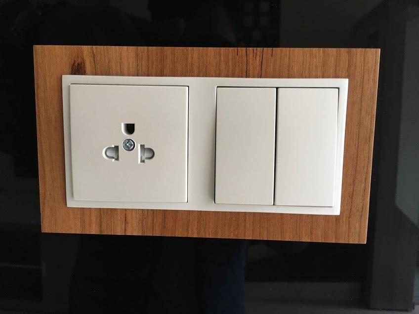 thiết bị điện efapel mặt gỗ cao cấp