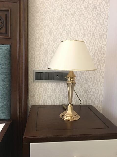 thiết bị điện efapel mặt kim loại màu ghi